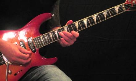 Queensryche – Jet City Woman – Guitar Lesson (Intro)
