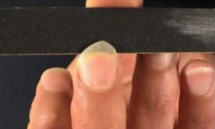 Tone Production On The Classical Guitar : Shaping, filing the fingernails