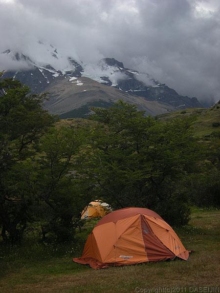 110103パイネ国立公園・ラス・トーレスのキャンプ場