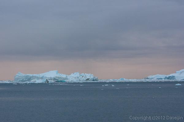 120813アイスランド、グリーンランドの旅・夕暮れ