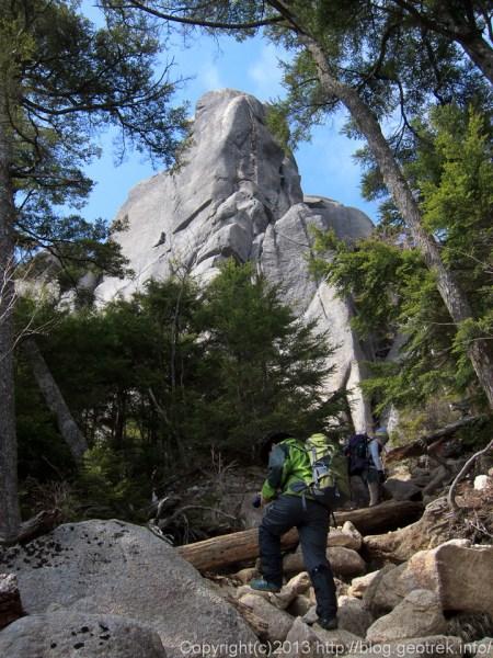 大やすり岩