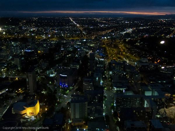 オークランド、スカイタワーからの夜景