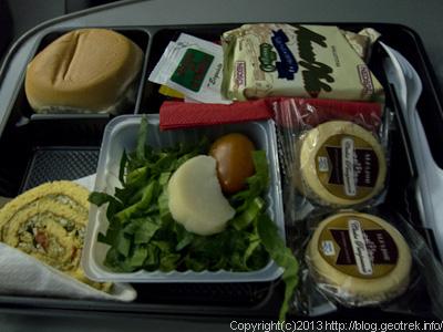 130828サルタへのバスの夕食