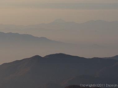 111105谷川岳・エビス大黒ノ頭から富士山