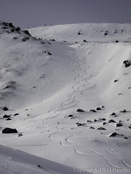 111127立山スキー・シュプール