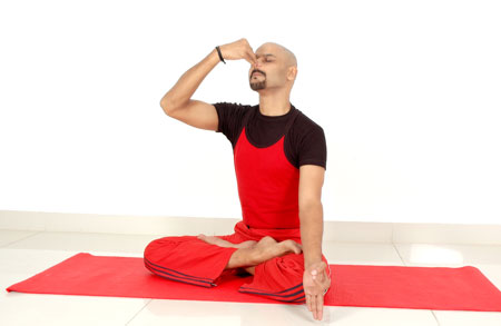 Suryabhedi pranayama yoga for low bp