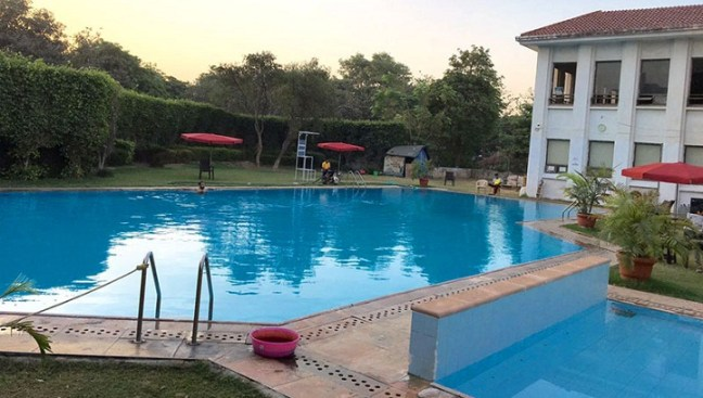 swimming pools in gurgaon