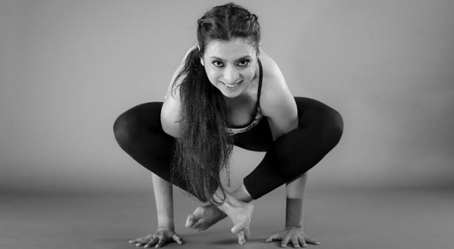 Samanta Duggal: yoga trainers in Mumbai