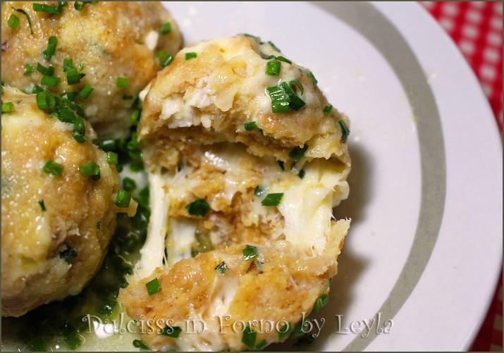 Canederli al formaggio ricetta tirolese dellAlto Adige