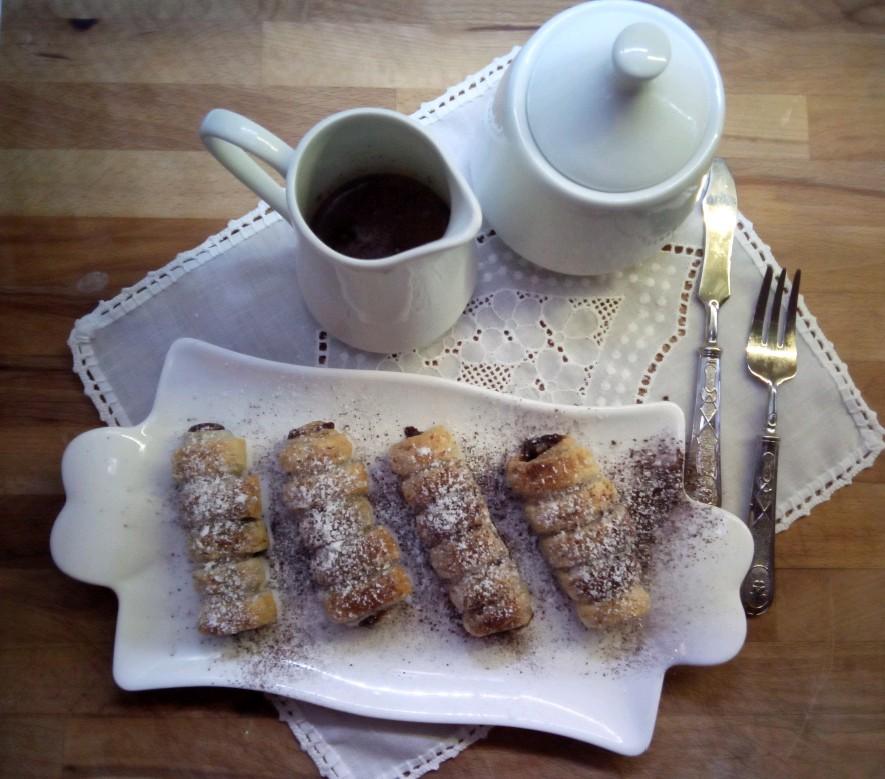 Cannoli di pastasfoglia ripieni di nutella