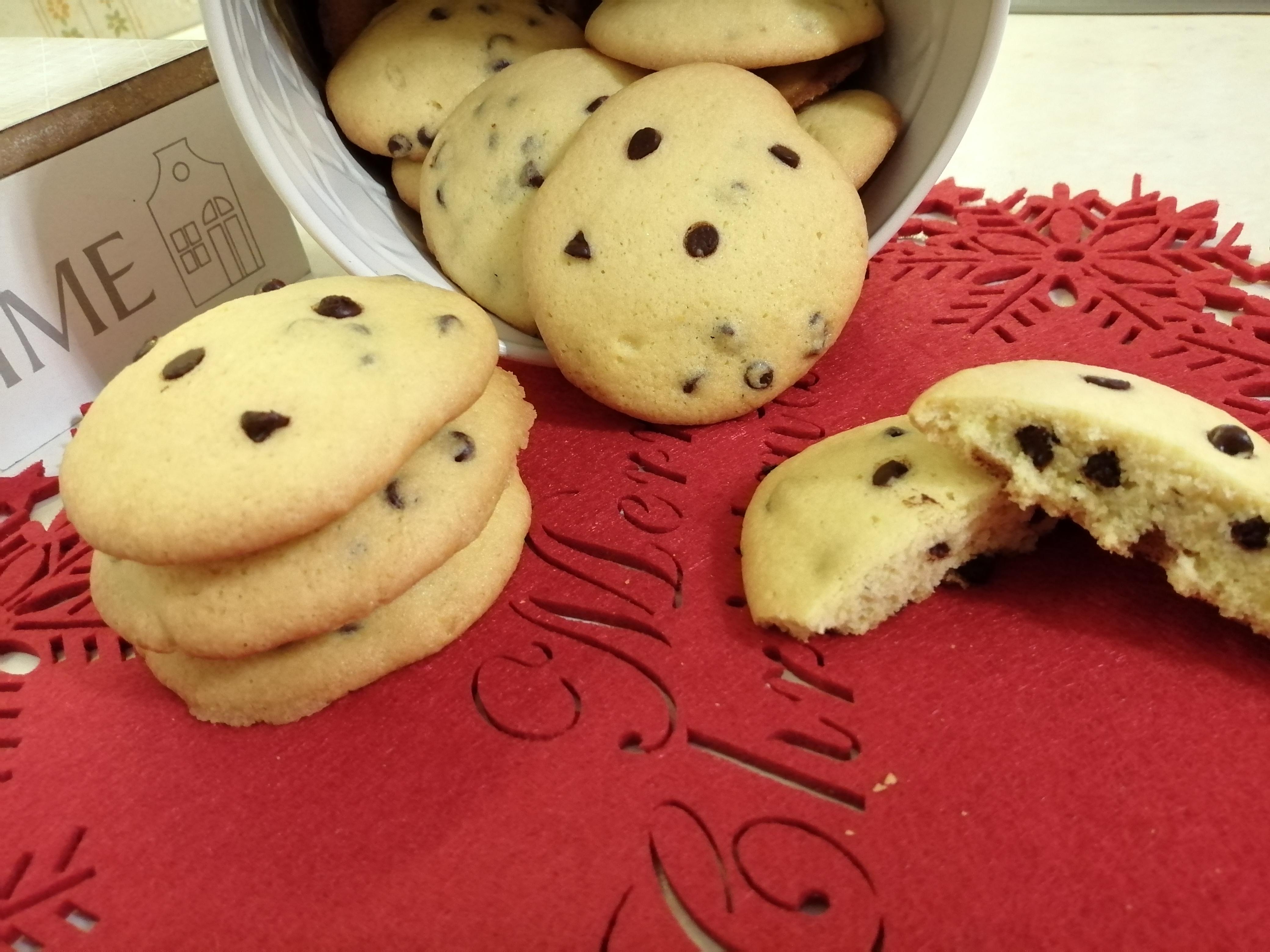 Biscotti teneri con gocce di cioccolato