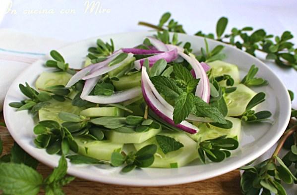 Cetrioli e portulaca in insalata