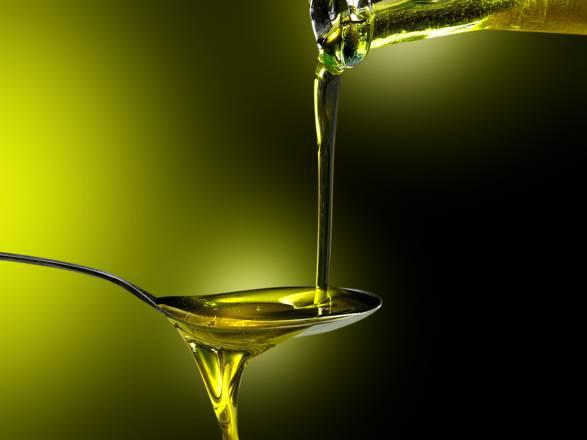 Olio, 1 litro su 2 consumato fuori da Paesi produzione