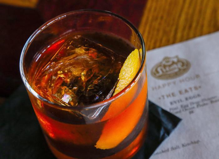 cocktail, meno olive più insetti e uova