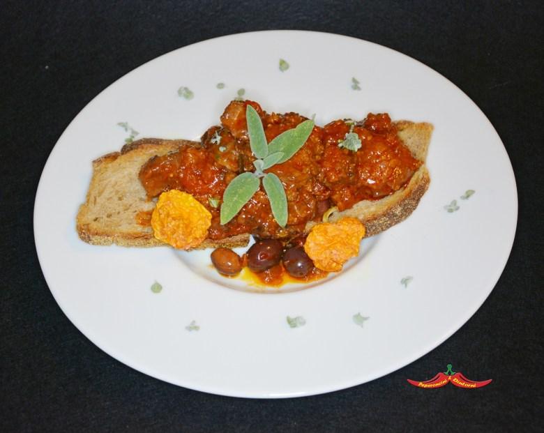 Cinghiale in umido con le olive e Peperoncino Jamaican Mushroom