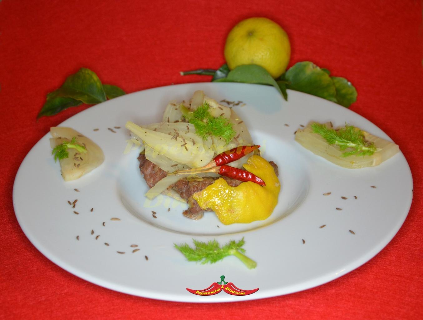 Finocchi stufati al bergamotto su coppa di Salsiccia