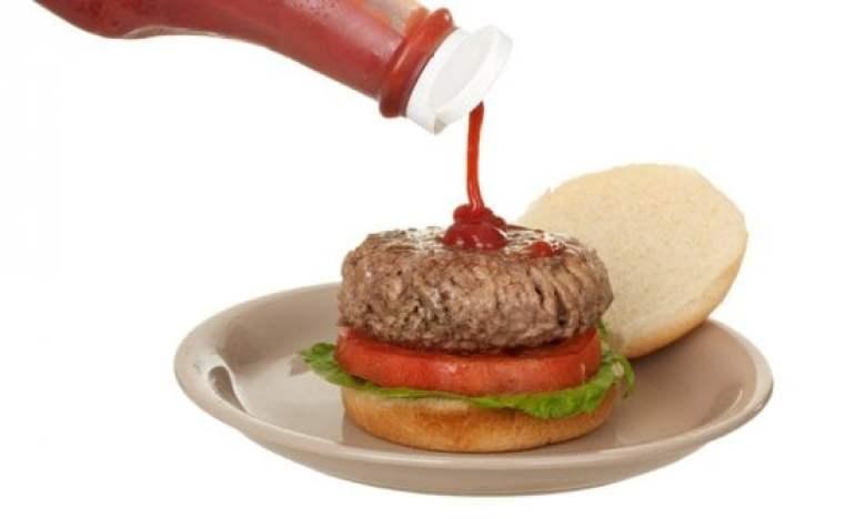 La quintessenza del gusto americano? Il Ketchup, con la sua incredibile storia