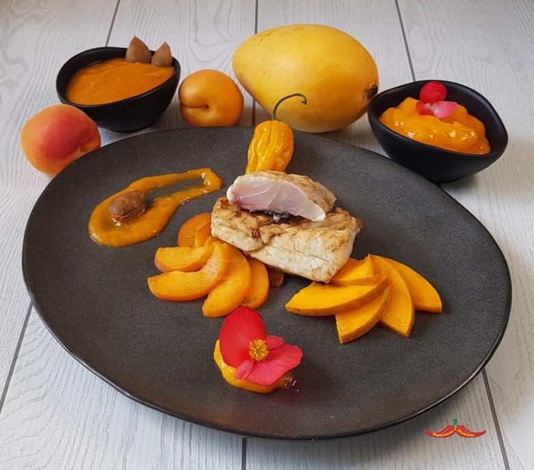 Orata Salsa mango e Fatalii e albicocche e noccioli