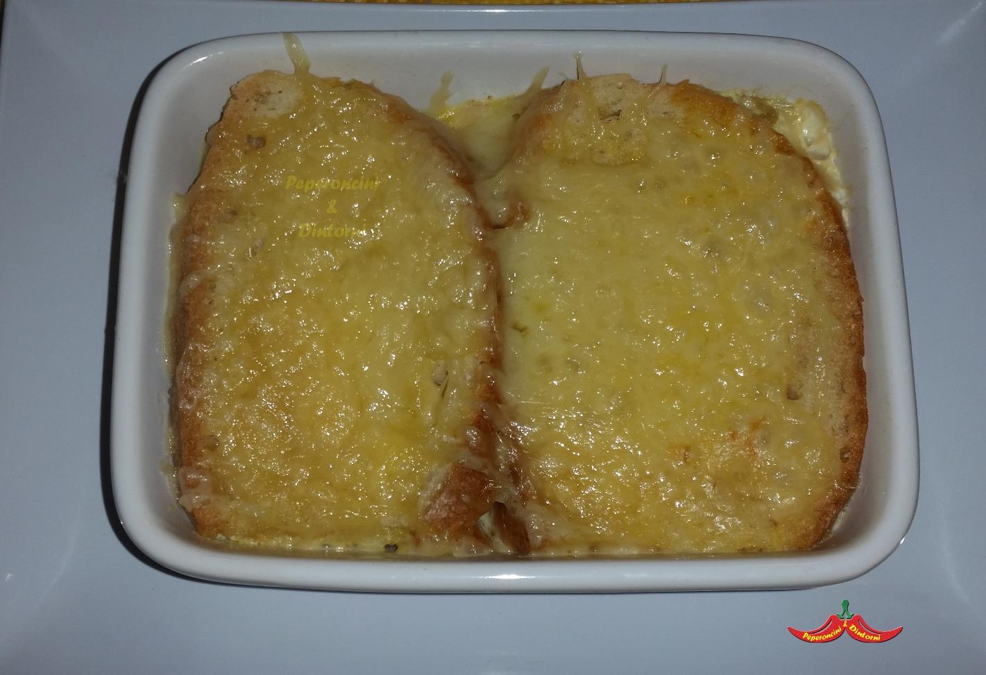 Zuppa di cipolle, pecorino e salsiccia