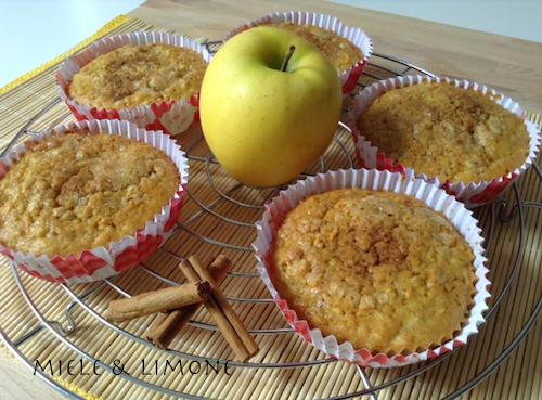 Tortine alle mele con cereali e cannella