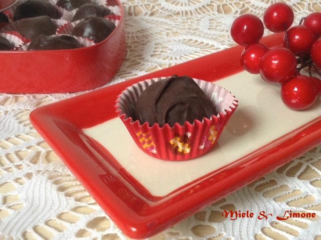 Tartufini al cioccolato mandorle e zucca – ricetta vegan