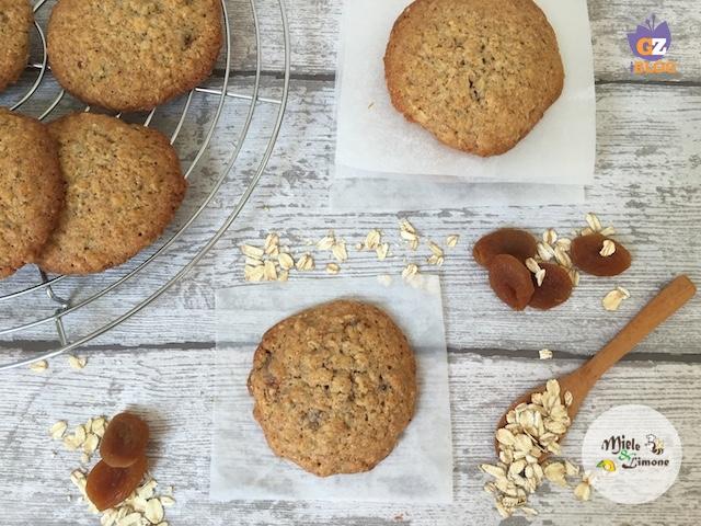 Cookies con fiocchi d'avena e albicocche secche – ricetta biscotti