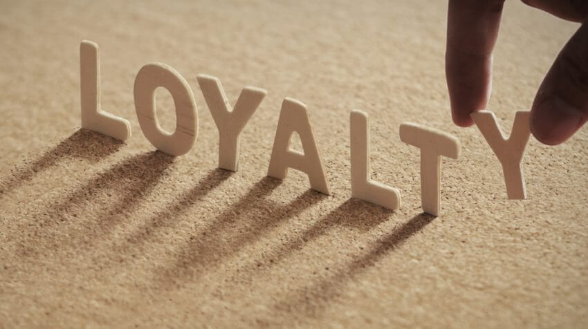 7 Tips for building donor loyalty: How to acquire regular donors