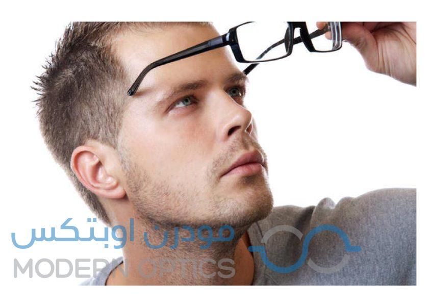 آثار النظارة الطبية على البشرة والأنف