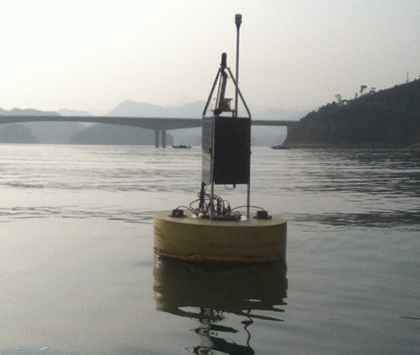 Photo: GLEON buoy in Lake Taihu. Credit: Alicia Caruso.