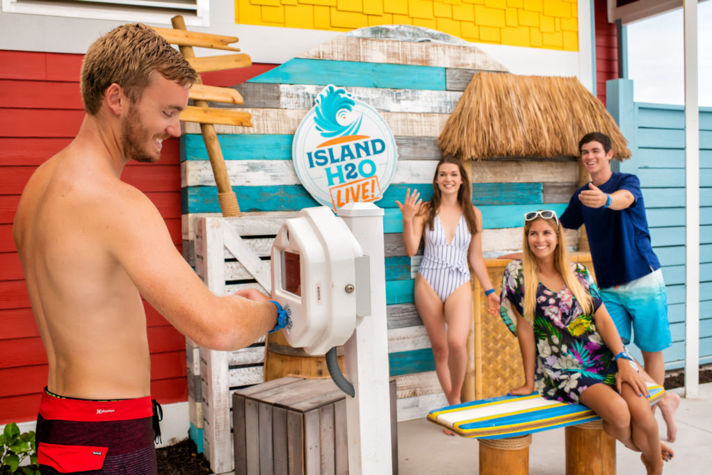 Water Park Selfie-Shack at Island H20 Live!