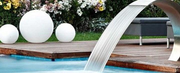 Cascata para piscina: tudo o que você precisa saber