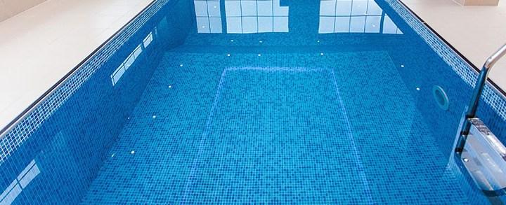 Tratamento de piscina com ozônio, conheça os benefícios