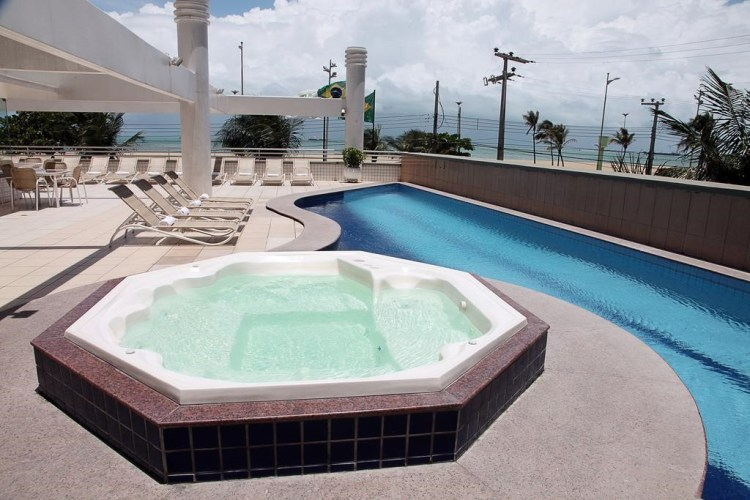 Móveis para piscina
