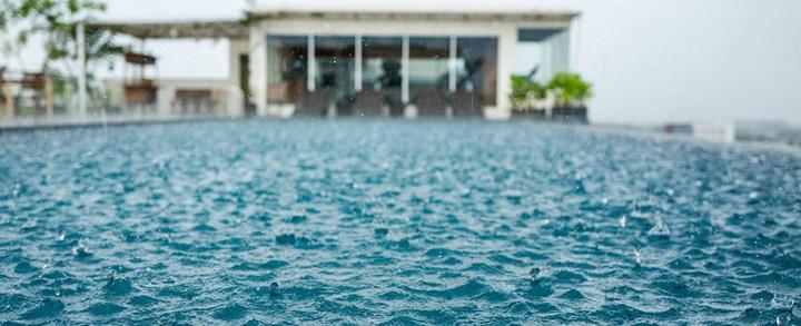 Como a chuva afeta sua piscina?