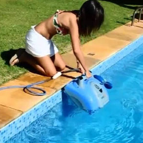 Equipamentos para limpar a piscina