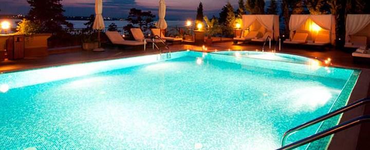 5 dicas geniais para iluminar a sua piscina