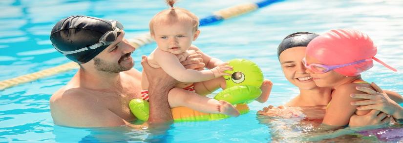 Com qual idade o bebê pode entrar na piscina?