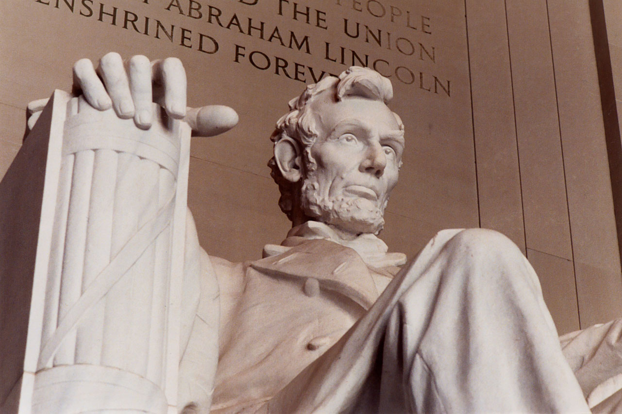 WashingtonDC_LincolnMemorial_iS_213909XXLarge