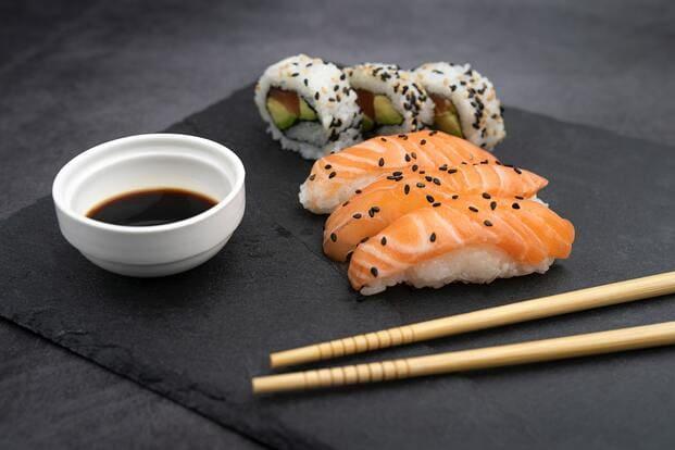 uramaki tipos de sushi