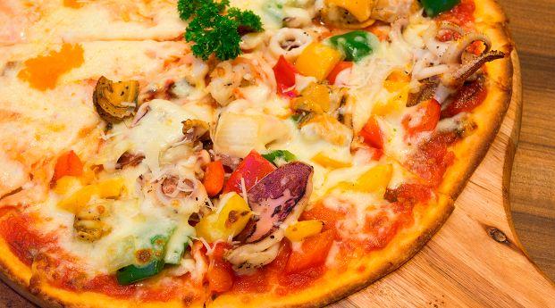 Pizza sin gluten preparadas con ingredientes importados
