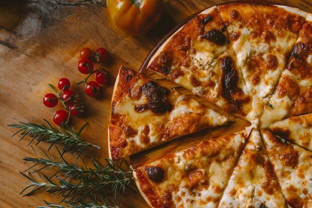 Pizza a domicilio para la final de Eurovisión 2021