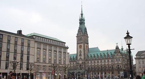 Hamburg – eine quirlige Stadt am Wasser 1