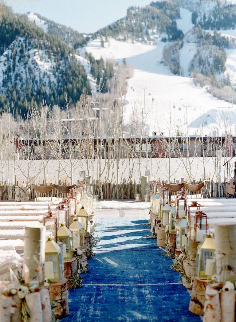 snowy-winter-wedding-ideas-outdoor-ceremony