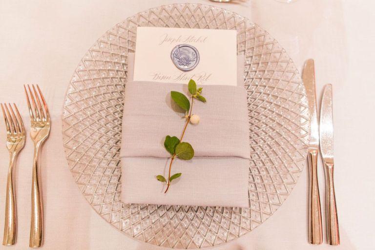 024-Winfrey-wedding-Beaver-Creek-place-setting