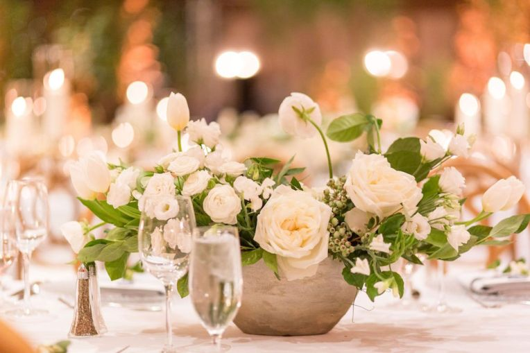 029-Winfrey-wedding-Beaver-Creek-white-floral-centerpiece