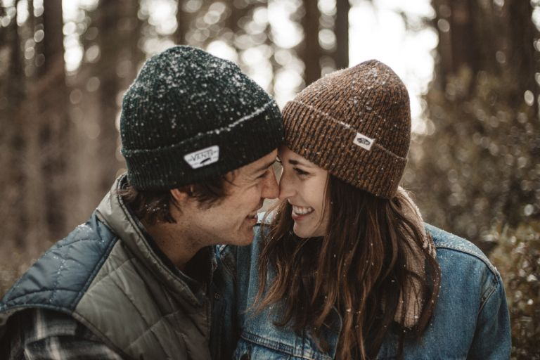 winter-engagement-announcement-ideas