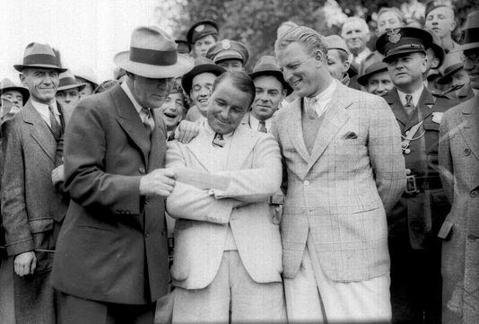 The Admiration of Gene Sarazen's Double Eagle, image: usatoday.com