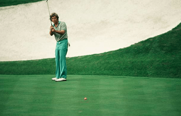 Wayne Levi at the Hawaiian Open in 1982, image: golfhistorytoday.com