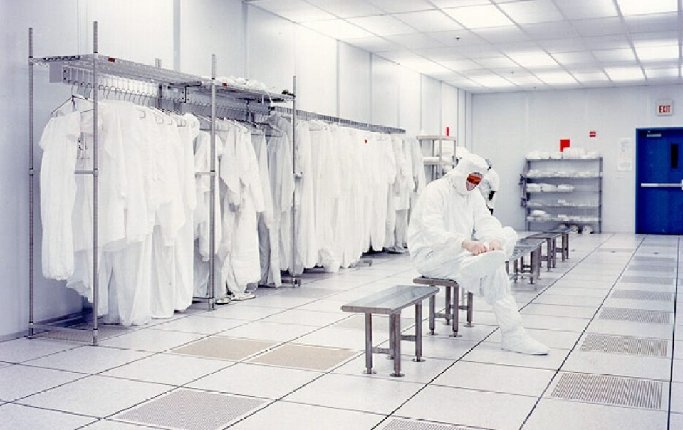 cleanroom gowning and procedure