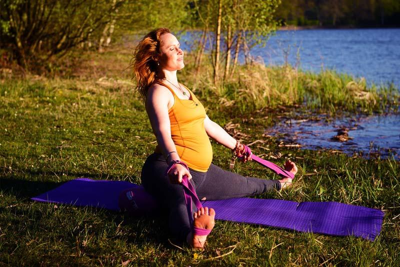 Le yoga et la femme enceinte pourquoi faire du yoga